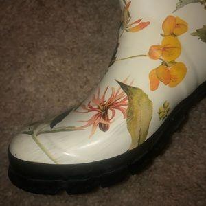 Hunter Shoes - Botanical Print Hunter Rain boots (Size 8)